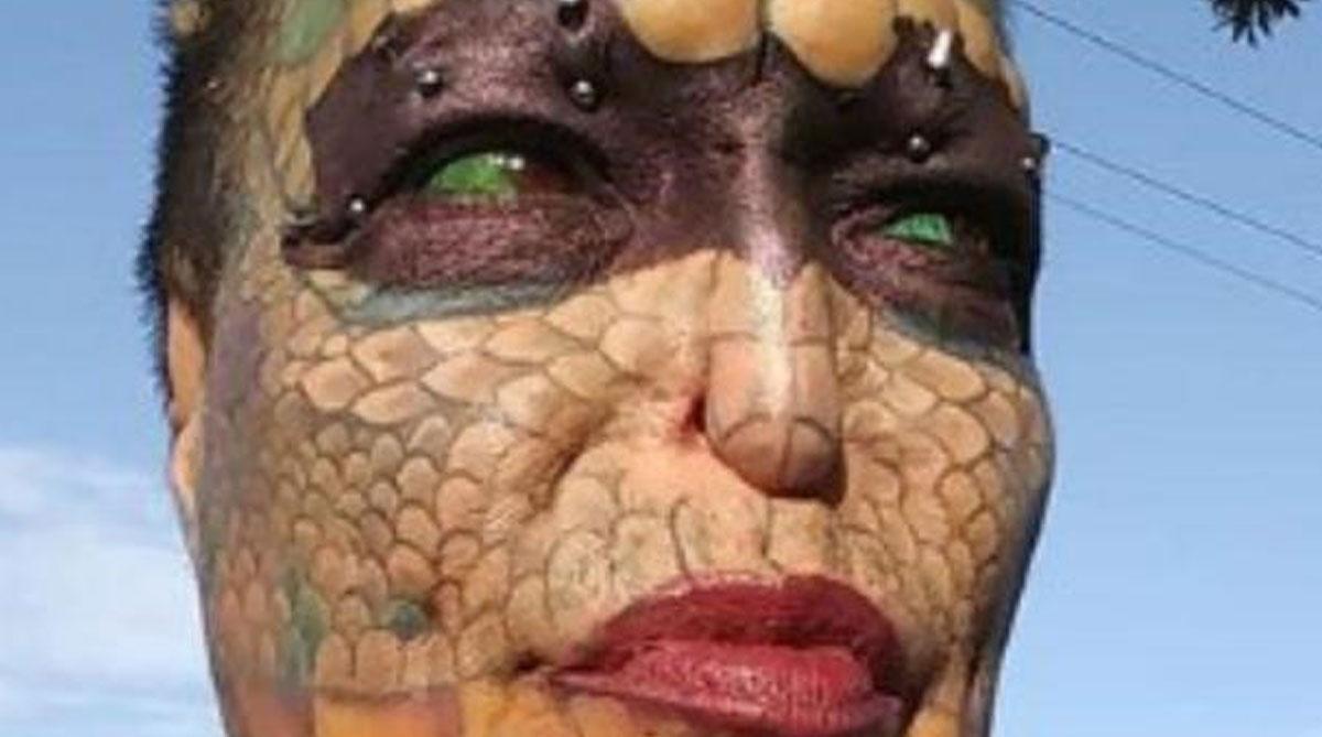 Mujer trans ha gastado más de 250 mil dólares para convertirse en un dragón