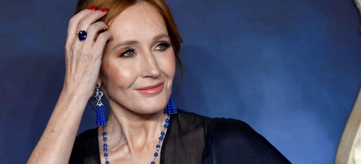 La confesión de JK Rowling de haber sufrido agresión sexual y la controversia por sus tuits sobre las personas trans