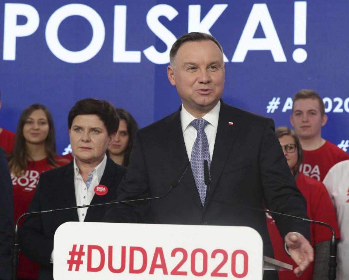 Presidente polaco dice que LGBT es peor que el comunismo