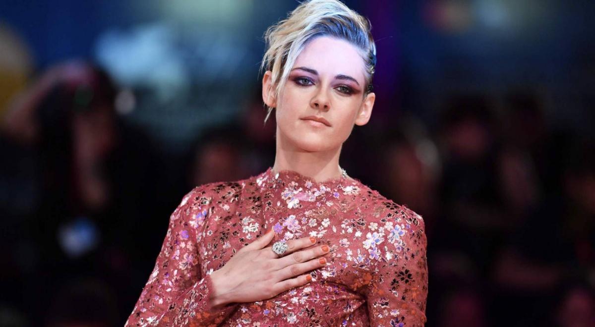 Kristen Stewart revela las presiones por ocultar su bisexualidad en Hollywood