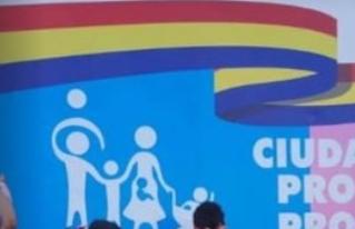 PARAGUAY Besos contra el odio y la discriminación