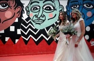 Bodas homosexuales suben 61% en Brasil y aceleran tras elección de Bolsonaro