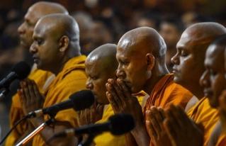 Monje budista en Tailandia apoya los derechos LGBT y el aborto legal