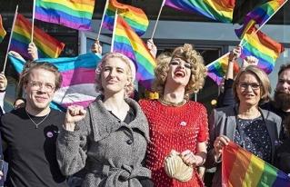 Referendo en Suiza aprueba sancionar discriminación por orientación sexual