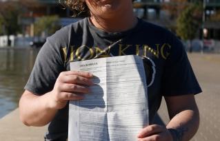Una menor trans denuncia una agresión transfóbica por parte de unos jóvenes en el centro